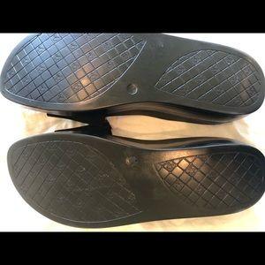 Donald J. Pliner Shoes - Donald Pliner Platform Sandal - Women's Size 9.5